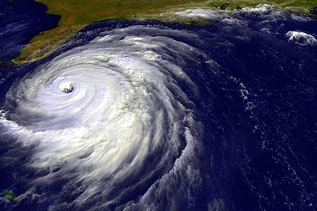 Cyclone ou ouragan, d'où vient leur nom ?
