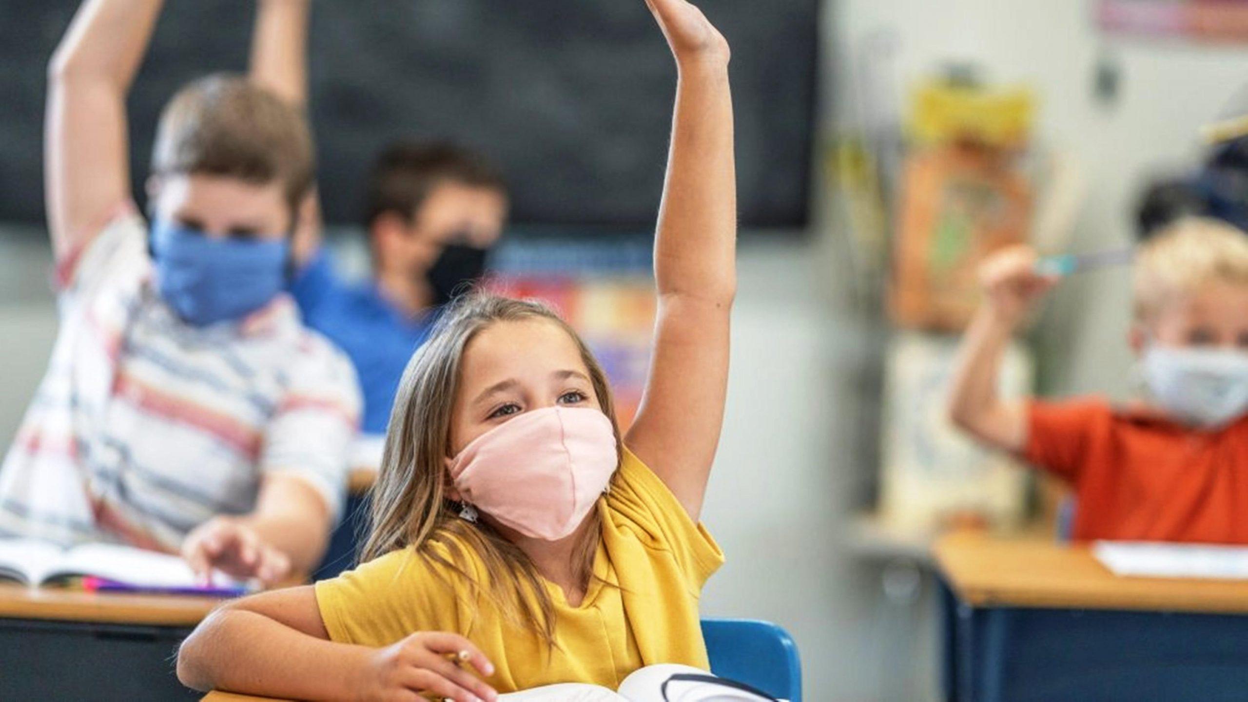 Covid-19 : le port du masque a-t-il des incidences sur l'apprentissage du langage chez les enfants ?